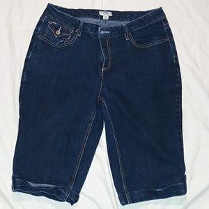 Womans 16W dark blue Cato stretch jean capris
